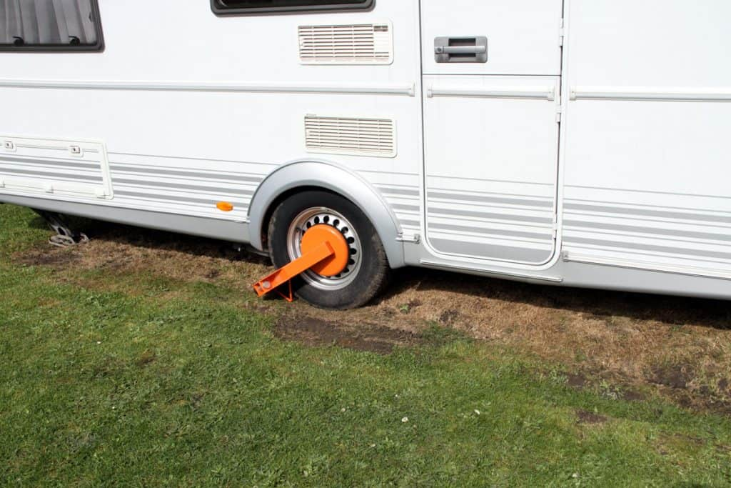 Secure your RV in its parking space