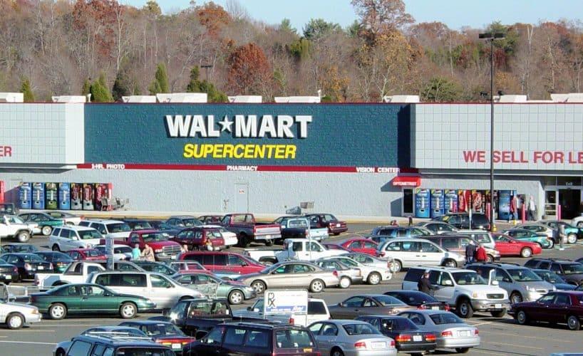 Can I Park My RV at Walmart Overnight?