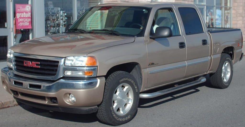 1999-2006 GMC Sierra Double Cab in Canada | Photo released in PUBLIC DOMAIN