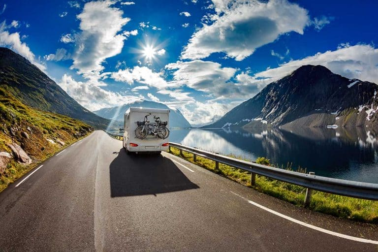 Driving a Motorhome (9 Things You Need to Know Before Getting Behind the Wheel)