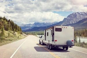 Which Travel Trailers are the Lightest (13 models reviewed)