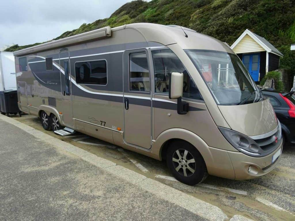 spacious-rv-motorhome-camper