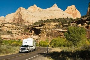 Can You Tow a 5th Wheel with a Short-Bed Truck?